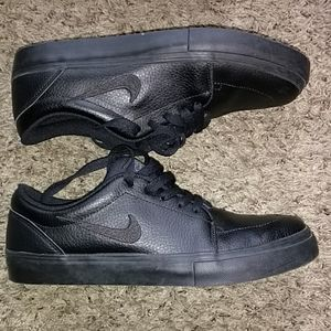 Nike SB All Black shoes